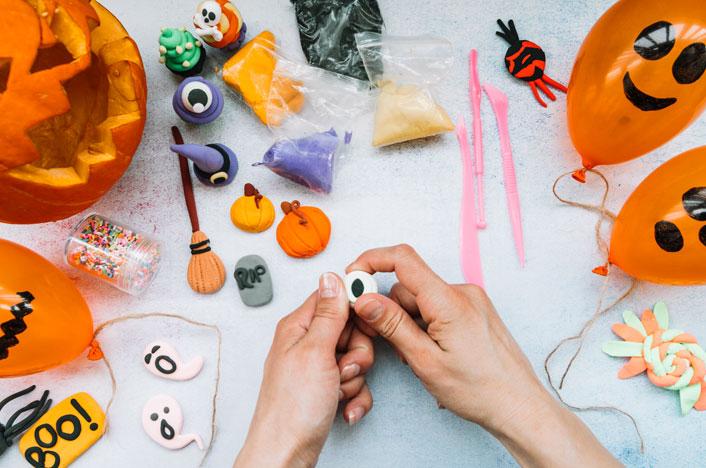 decoración de halloween con materiales reciclados