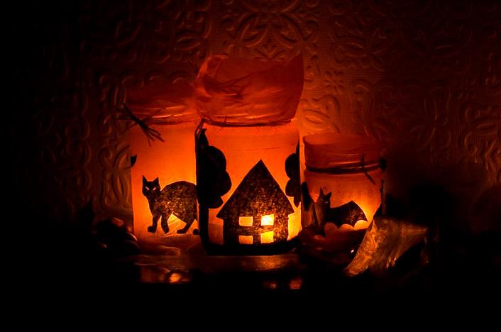 ideas de decoración de halloween con objetos reciclados