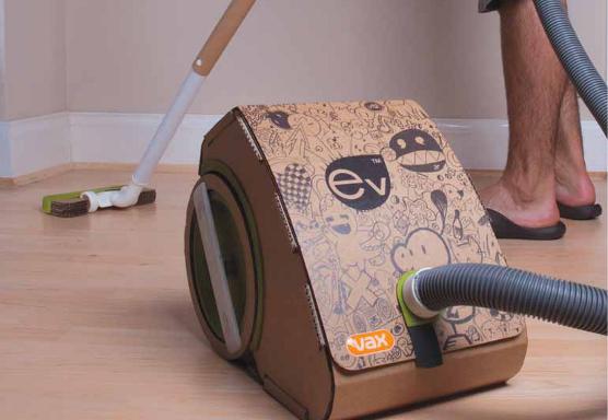 Camas y escritorios de cartón reciclado totalmente funcionales