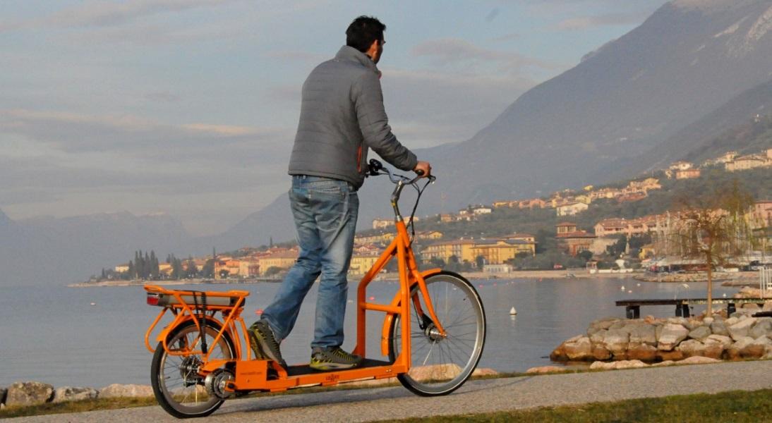 Bicicleta eléctrica a pie