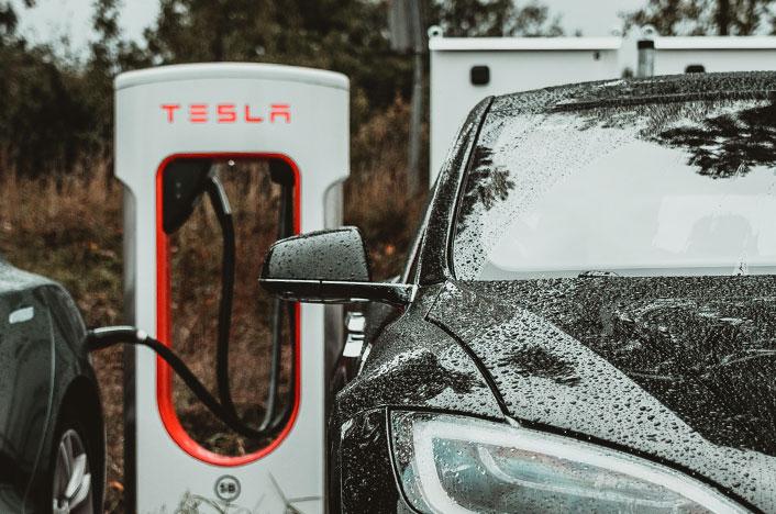 Punto para recargar tu coche eléctrico en la carretera