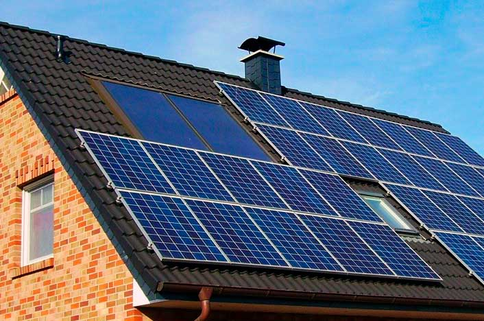 Panel solar en casa