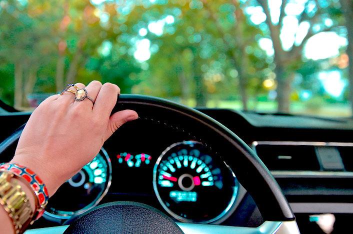 conducir el coche