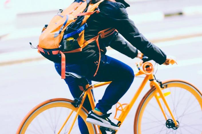 Niño en bici