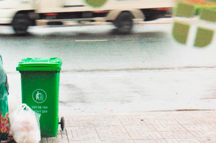 Cubo de basura para reciclar de forma correcta