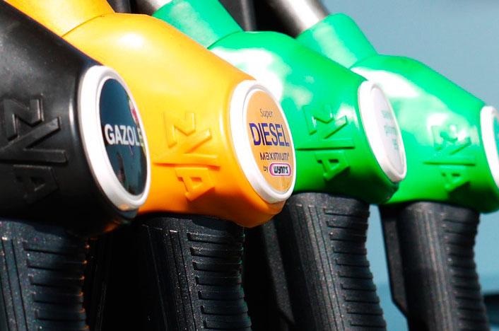 Mangueras de diferentes tipos de gasolina