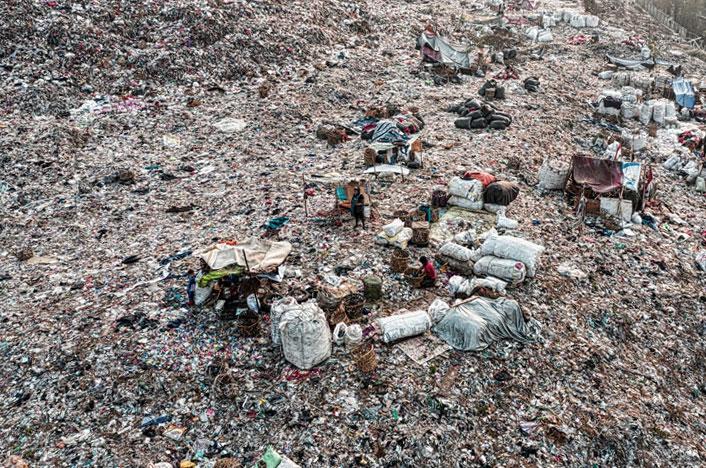 Terreno contaminando el suelo