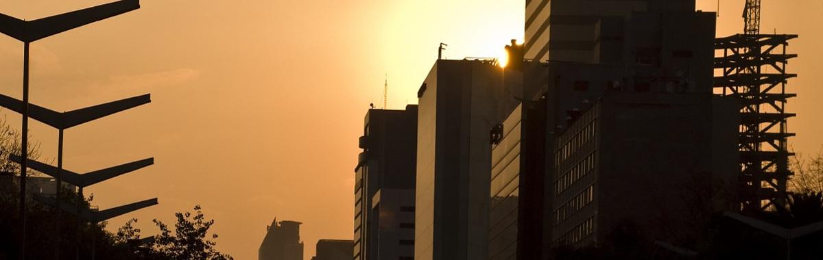 Puesta de sol edificios