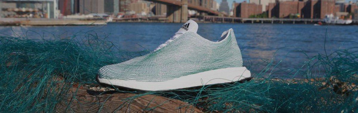 Zapatillas ecológicos a partir de la basura del océano