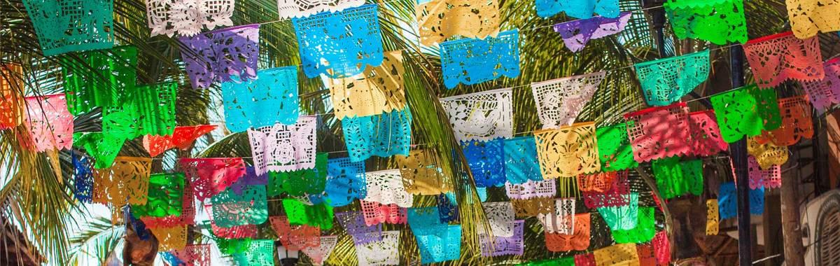 hacer banderines de papel Cmo Hacer El Tpico Papel Picado Al Estilo Mexicano A