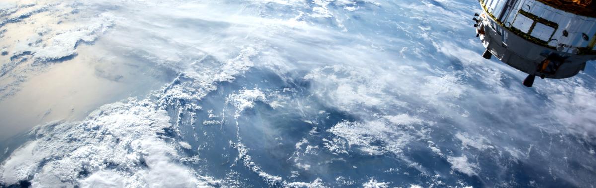 Radiación solar y otras agresiones en el entorno espacial terrestre