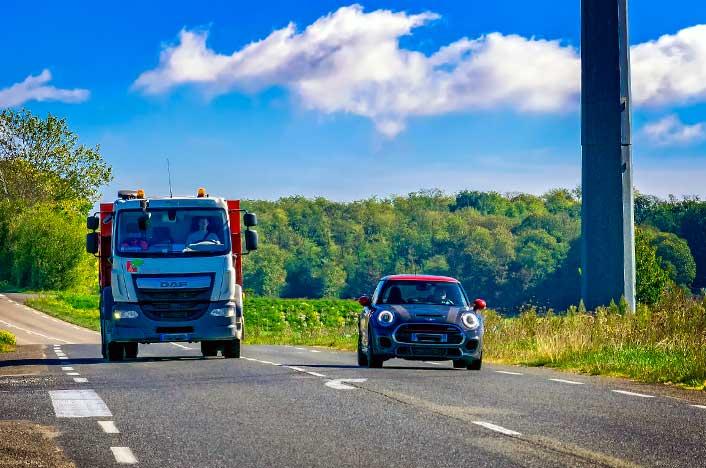 coches en autopista