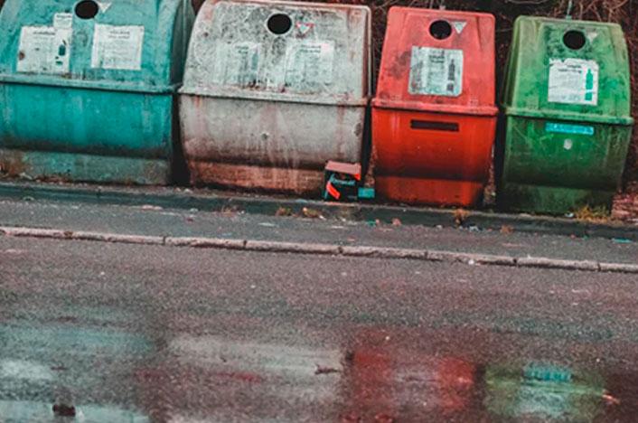 Contenedor de colores para reciclar