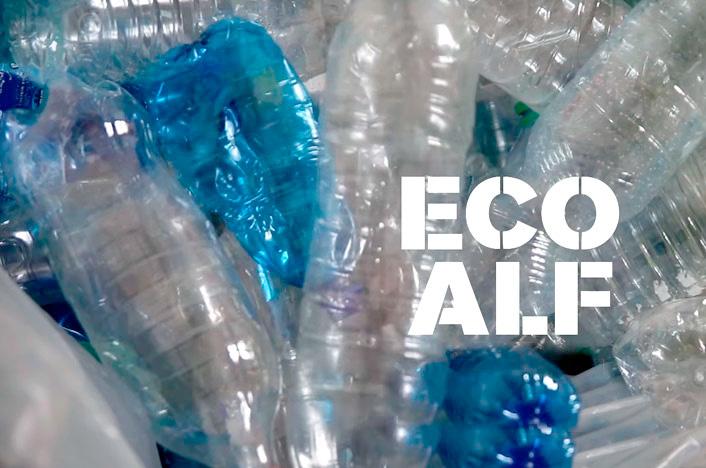 Botellas plásticas recicladas por Ecoalf