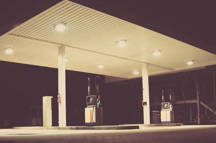 Gasolinera de petróleo