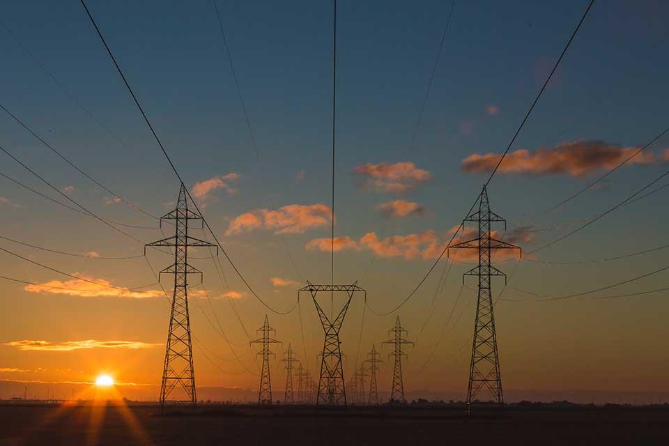 torres eléctricas demanda electricidad
