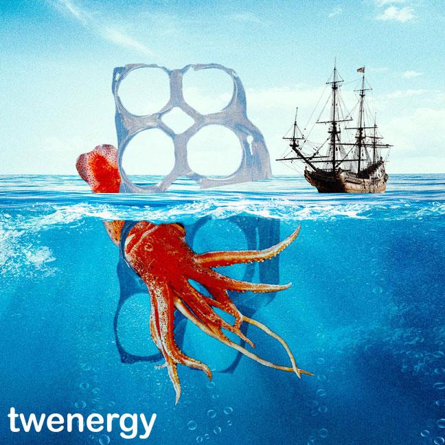 Contaminación de los océanos - Dibujo de kraken atrapado en una anilla de plástico y una carabela de fondo