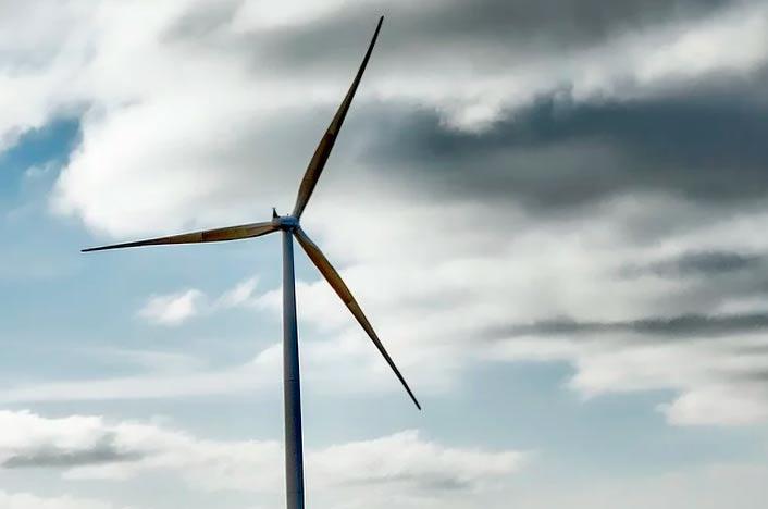 Sistema de almacenamiento de energía eólica