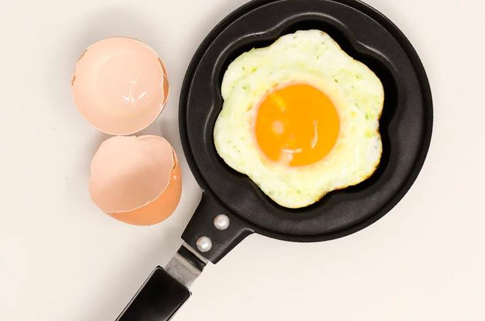 Cáscaras de huevo para hacer fertilizante casero