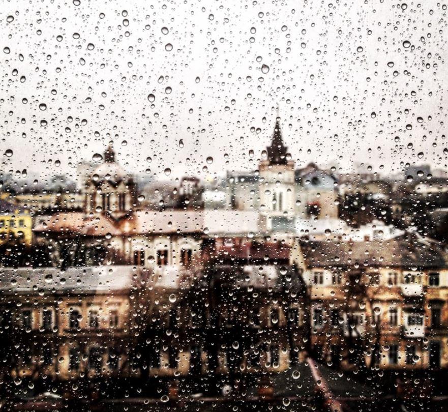 Lluvia ácida sobre la ciudad