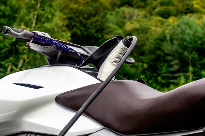 Completando la autonomía de una batería de la moto eléctrica