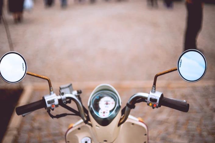 En ciudad dura la batería de la moto eléctrica lo necesario