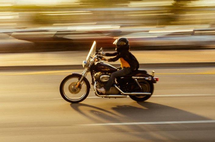 Conductor de moto eléctrica