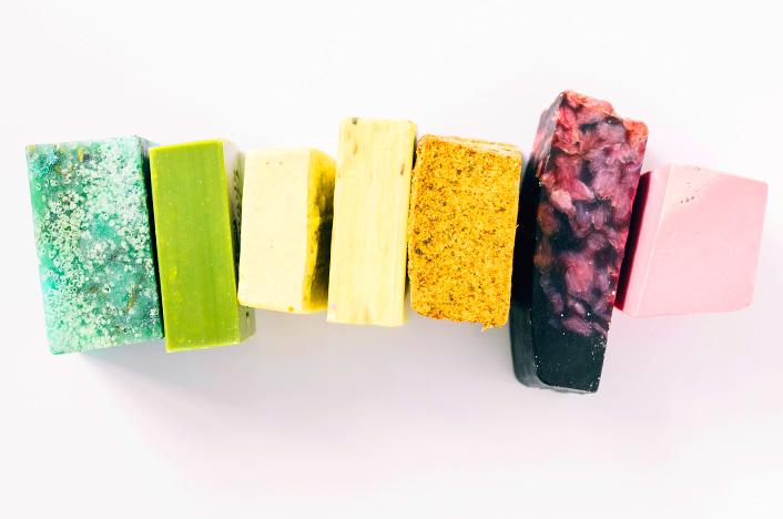 jabones de colores