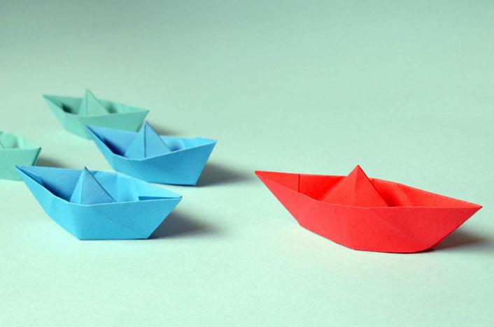 Darle nuevos usos al papel y reciclarlo es fundamental para el medio ambiente - Barcos hechos de papel