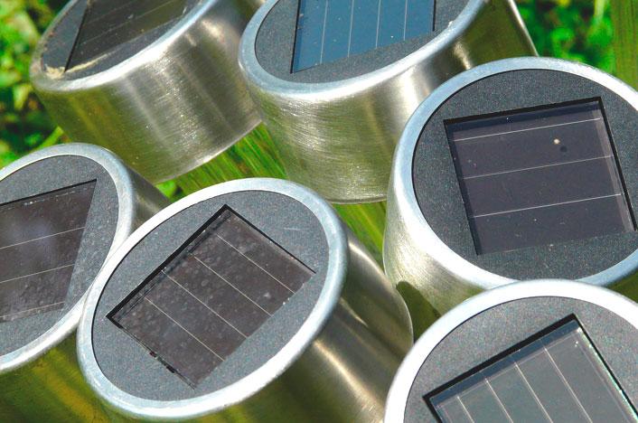 Paneles de una lámpara solar