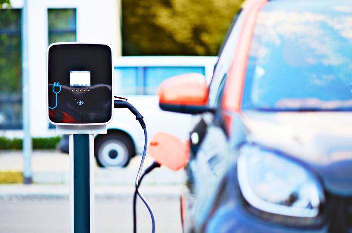 coche eléctrico, ejemplo de desarrollo sostenible